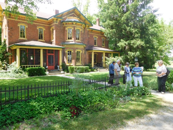 The Kimmell House Inn, a B&B that also serves meals for non-guests, is a beautifully restored and modernized Victorian house on US 33 between Goshen and Fort Wayne. US 33 is the historic Lincoln Highway, the 1913 route..
