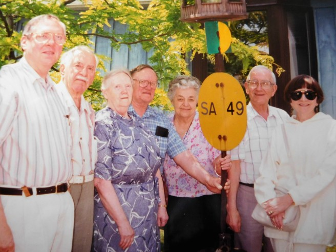 John, Lloyd, Leona, Harold, Marie, Orie, Marty. Missing: Ross and Ruth. Uncle Walter died in 1945.